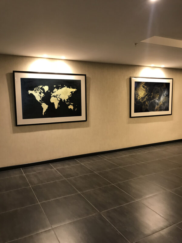 Картина карта мира в интерьере абстракция